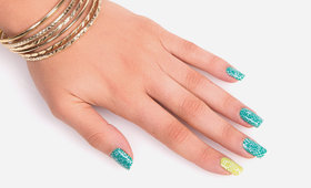 Master Mani: A Summery Fresh Floral Lace Motif!