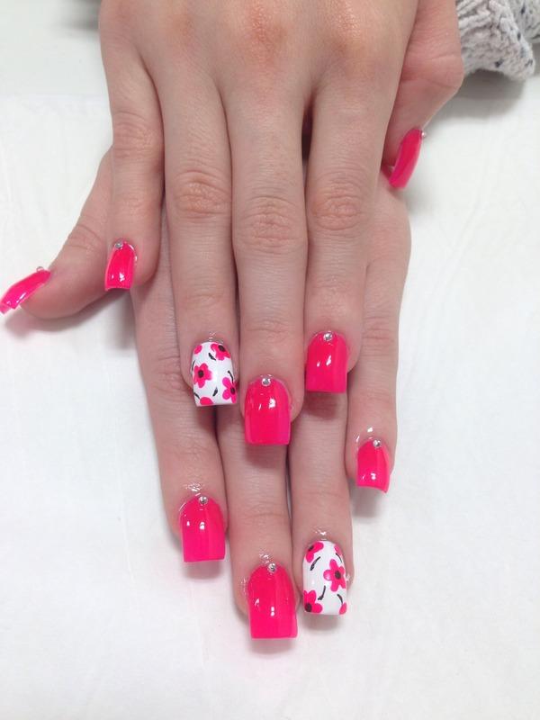 Acrylic nails with flowers kimberleigh hs photo beautylish mightylinksfo