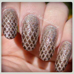 #nailartjan #pattern http://www.thepolishedmommy.com/2014/01/dragon-eggs.html