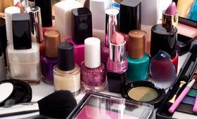 Should You Insure Your Makeup Kit?