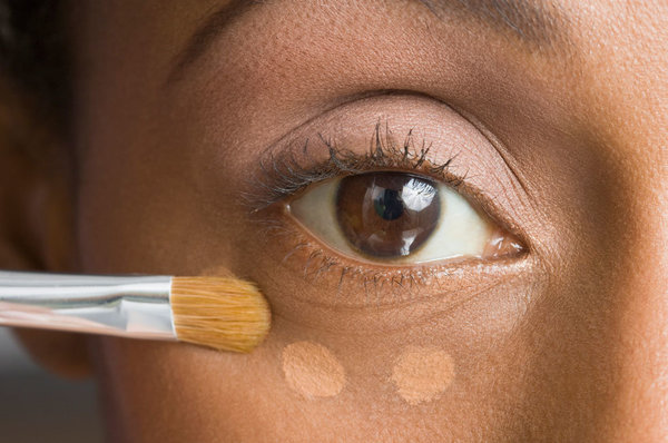 Makeup for Beginners: How to Use Concealer