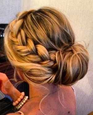 know how to do this exact updo. A video or photo tutorial please