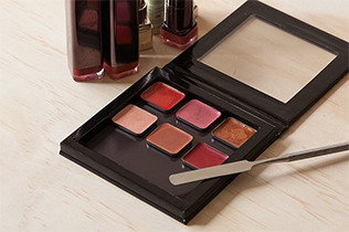 DIY Your Own Custom Lip Palette
