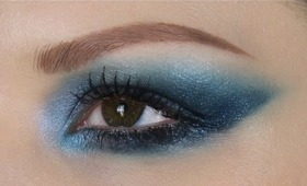 Ocean Blue Eyes and Ciate Caviar Manicure Giveaway.