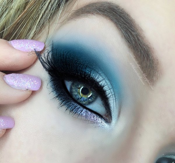 frosted blue smokey eye cancer zodiac series lillee