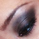 Wearable Shimmery Smokey Eye :)