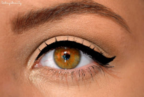 Perfect Eyeliner For Round Eyes Manon T S Todaysbeauty