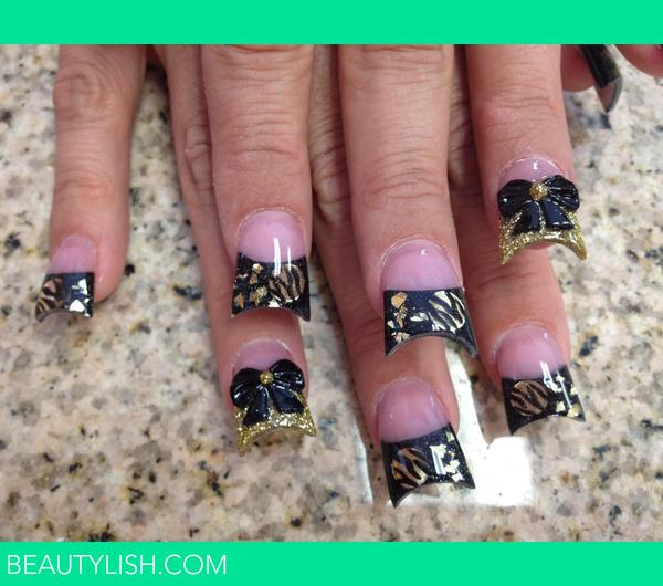 gold swag and 3D bows nails. | Nika B.'s Photo | Beautylish