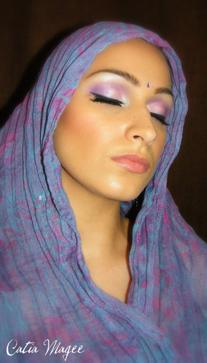 Modern indian bride. Pure Fusion mineral eyeshadows in  White velvet on the inner corner  and  on the brow highlight Apis on the lid Hel on the outer corner and crease and Petal on the middle of the lid