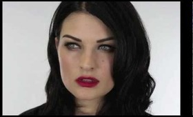 Megan Fox Cat Eyes / Liner for narrow or small eyes.