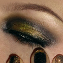 Festive Christmas New Years make-up / Gold and black metallic look