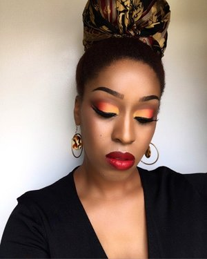 Fiery Sunset🔥  Went for a bold fire eye. @bhcosmetics 3rd edition 120 eyeshadow palette . @maybelline 332 and 335 foundation, and Vivid Matte lipstick in Rebel Red, @maccosmetics foundation powder in NC45, HAIR: Wrapped my high puff with a scarf for a different look. I hope you like this look. Recreate and tag me so I can see your work😍 #harjessi #mua #makeup #houstonmua #dallasmua #realtechniques #teamnatural_  #naturalhair #naturallyshesdope #naturalrootsista #makeupartist #contour #orange #glitter #eyeshadow #slay #returnofthecurls2 #kinky_chicks1 #benaturallychic #essencecosmetics #myhaircrush #maccosmetics #mattelipstick #yanicareproducts #cantu #bhbeauty #browngirl #crown