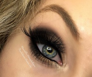 Just a basic smokey eye with my new stuff :) http://theyeballqueen.blogspot.com/2016/01/sultry-melted-chocolate-smokey-eye.html