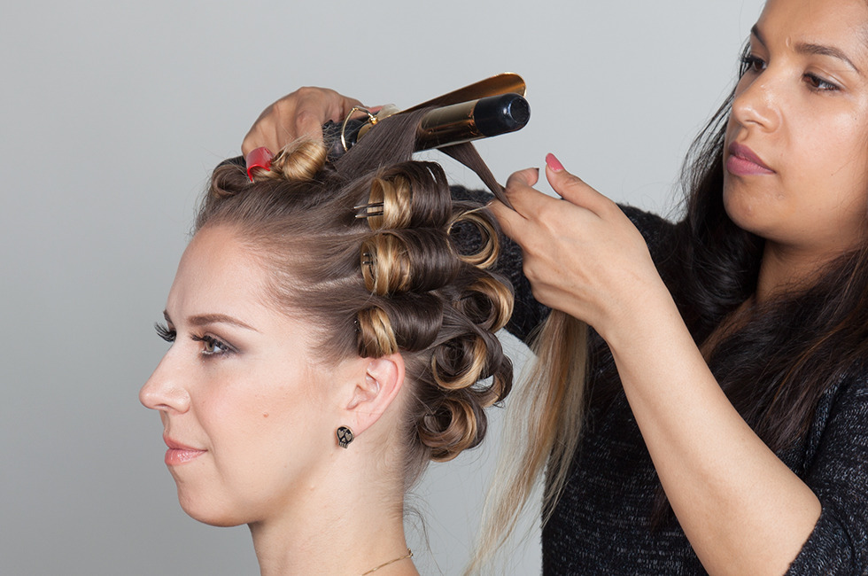 How To Finger Wave: Get Inspired By Our Tutorial And Enter