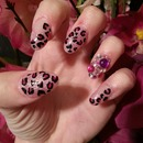 Round Tip Cheetah Print Nails