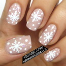 Winter Snowflake Nail Art