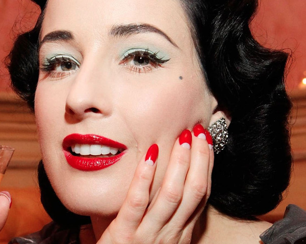 new dita von teese nails by kiss beautylish. Black Bedroom Furniture Sets. Home Design Ideas