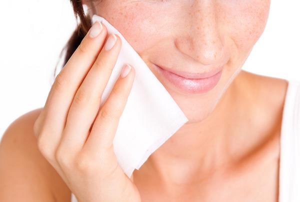 人的臉部兩大淋巴聚集處,是影響臉循環與消腫的關鍵。