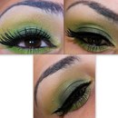 Green Make Up Look Using Humid Eyeshadow