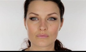 Angelina Jolie Cat Eyeliner Flick Make-up Tutorial. Great for round eyes.