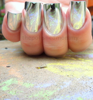 http://www.thepolishedmommy.com/2012/11/mirror-mirror-onmy-nails.html