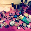 Glitters and Makeuppp!!! I'm a happy girl!!! Hahahaha