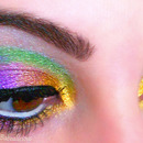 Woo! Mardi Gras! Show Us Your... EYES!
