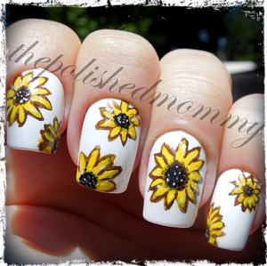 Nail Art Challenge: Yellow. http://www.thepolishedmommy.com/2013/05/sunflowers.html