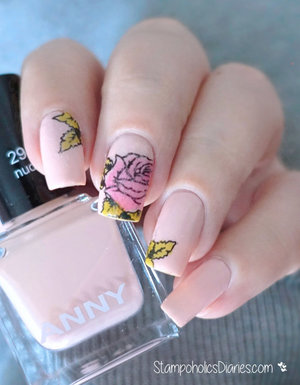 http://stampoholicsdiaries.com/2016/02/21/flower-nails-for-anny/