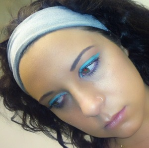 simple look with a bold liner! Stila Stick Waterproof Eyeliner in Turquoise