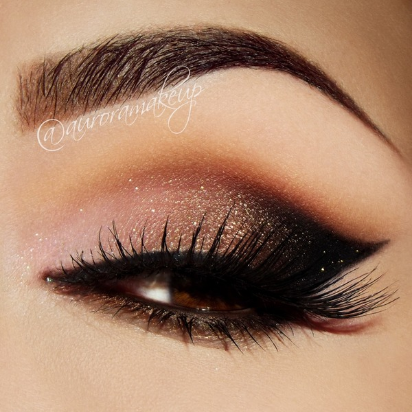 Cat Eye With LAVISH PALETTE