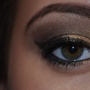 Gold brown makeup with Naked 2