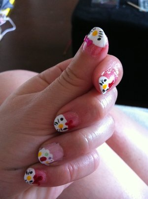 Hello Kitty & Cupcake nails - inspired by a photo from here I can't find aaand missglamorazzi's tutorial