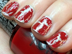 I wanted to do a red nail today but not just a plain red. So I delved into my nail kit and picked OPI DS Radiance and OPI Red shatter, then added a little extra sparkle with Finger Paints Asylum.