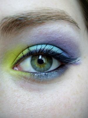 electric tropics eyeshadow tutorial