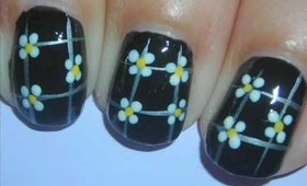 Nail Art - Lil' Daisies on Black - Decoracion de Uñas