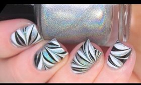 HOLO WATER MARBLE SHORT NAILS