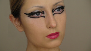 Lady Gaga Edge of Glory makeup