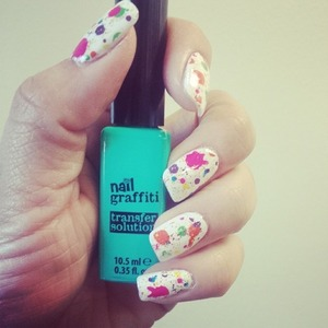 Get any image on your nails in just seconds!