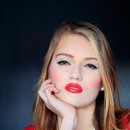 My beautiful model- red lips (: