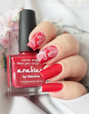 http://stampoholicsdiaries.com/2016/03/08/red-flower-nails-with-picture-polish-moyra-and-mundo-de-unas/