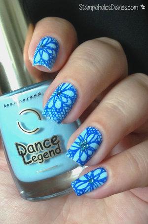 http://stampoholicsdiaries.com/2015/05/22/blue-lace-flowers-with-born-pretty-dance-legend-mundo-de-unas/