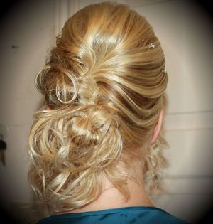 messy braid, loose curls and hair bling!