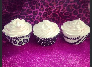For your chance to win a Free Cupcake Bath Soak from Bella Kiss check out our Onyx Brands FB page!!!