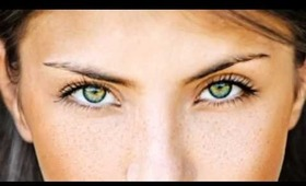 what colours enhance green eyes?