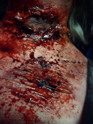 EXTREME SPECIAL EFFECTS MAKEUP Commando Zombie - Neck Trauma/ Severe Burns