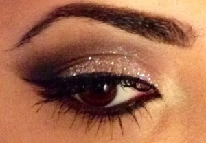 This is a new look I tried, using NYX glitter