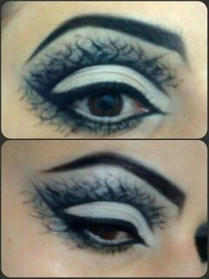 Be unique, be creative. Wearable halloween makeup look.