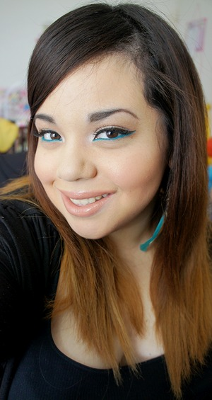 I forgot how much I loved Blue Peep Fluidline from MAC.