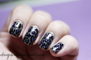 leopard_nails